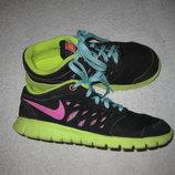 яркие кроссовки Nike, 21,5 см стелька, лёгкие