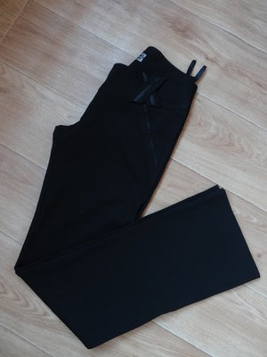 Черные клешные классические брюки S- размера