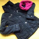 Фирменная куртка,осень-зима,отличное состояние