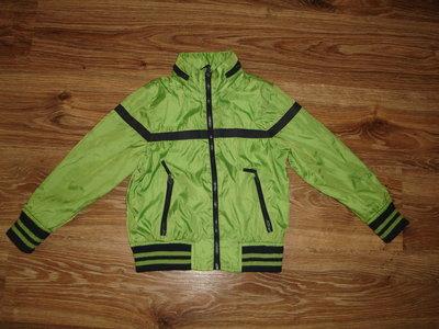 Куртка, ветровка MS на 5-6 лет на трикотажной подкладке, без утепления, капюшон прячется в ворот дли