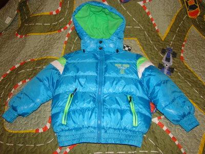 Продам зима-осень куртку новую 110р.