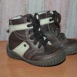Кожаные демисезонные ботинки на девочку на змейке